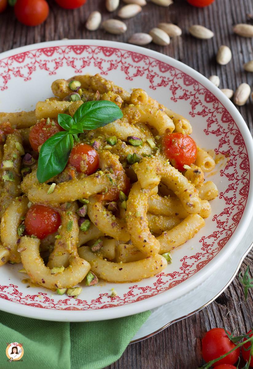 Pasta Con Pesto Di Pistacchi E Pomodorini Primo Piatto Facile E