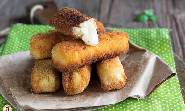 Bastoncini di formaggio – Antipasto o secondo piatto croccante e filante