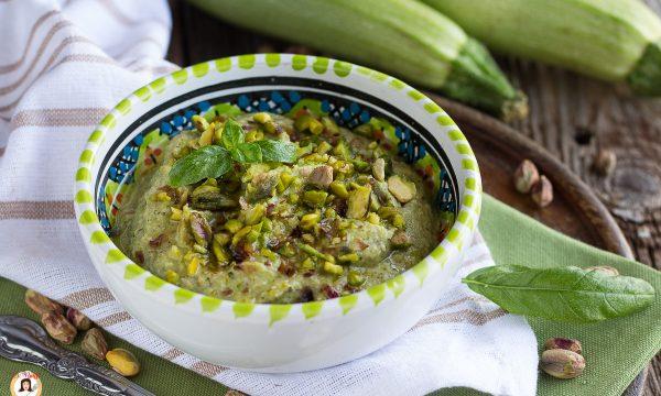 Pesto di zucchine e pistacchi – senza cottura, per la pasta, anche Bimby