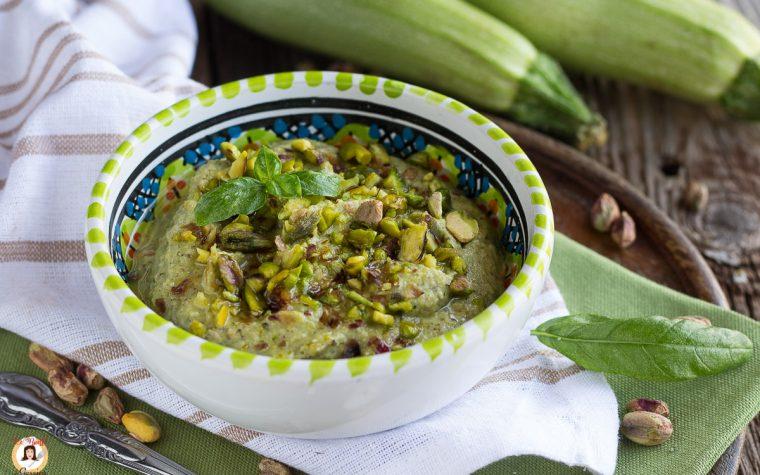 Pesto di zucchine e pistacchi - senza cottura, per la pasta, anche Bimby