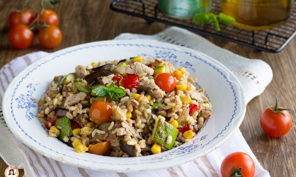 Insalata ai 5 cereali con tonno e verdure grigliate – Primo piatto leggero