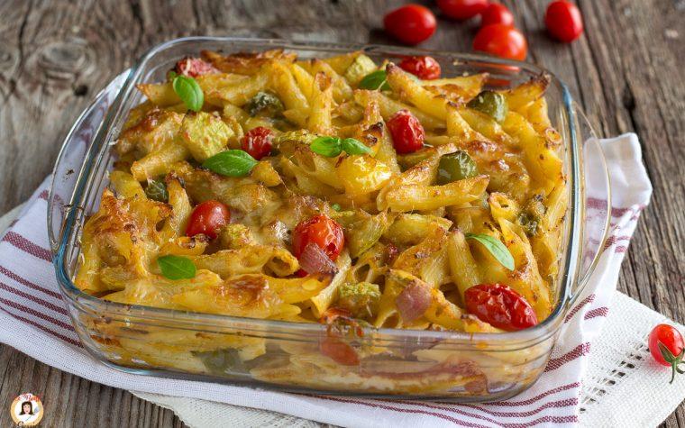 Pasta al forno ALL'ORTOLANA - Con zucchine, peperoni e melanzane. Senza besciamella