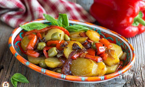 Patate e peperoni in padella – Patate alla Poverella, contorno facile