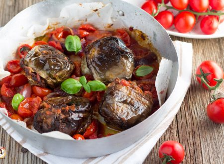 Melanzane ripiene alla Messinese cotte a forno con pomodori e cipolla – Secondo piatto