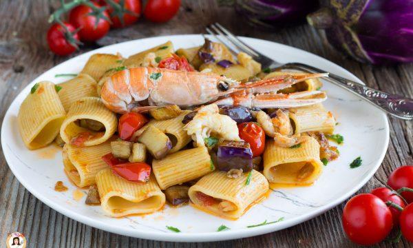 Pasta scampi e melanzane – Primo piatto con paccheri
