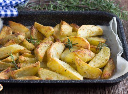 Patate al forno croccanti fuori e morbide dentro – Con TRUCCO del Bicarbonato