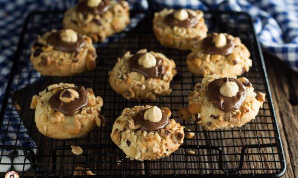 Biscotti con Nutella e granella di nocciole