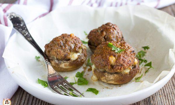 Funghi ripieni di carne – Secondo piatto cotto al forno