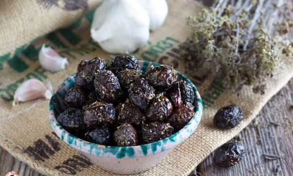 Olive nere al forno alla Siciliana- Antipasto o conserva