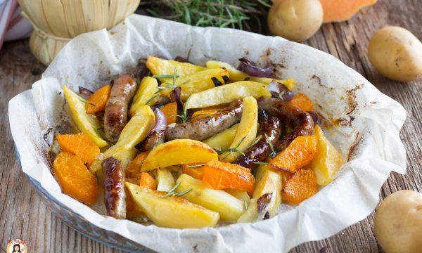 Salsiccia con patate zucca e cipolle al forno – Secondo piatto