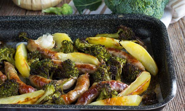Salsiccia con patate e broccoli – Secondo piatto al forno