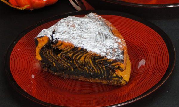 Torta zebrata di Halloween – Ricetta anche Bimby