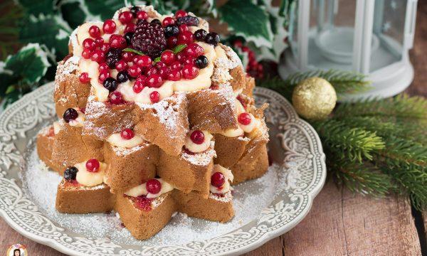 Pandoro con frutti di bosco e crema – Torta di Natale ripiena