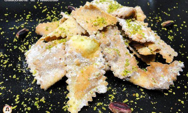 Chiacchiere al pistacchio – Ricetta di carnevale