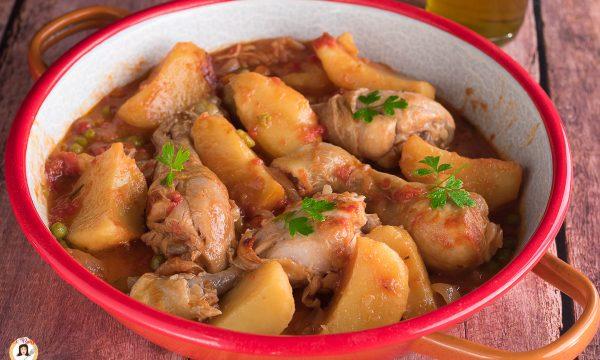 Pollo alla campagnola – Cotto in pentola con patate e verdure