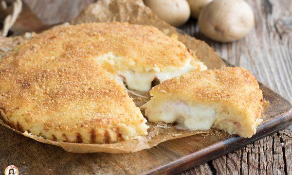 Torta di patate filante – Cotta al forno e ripiena