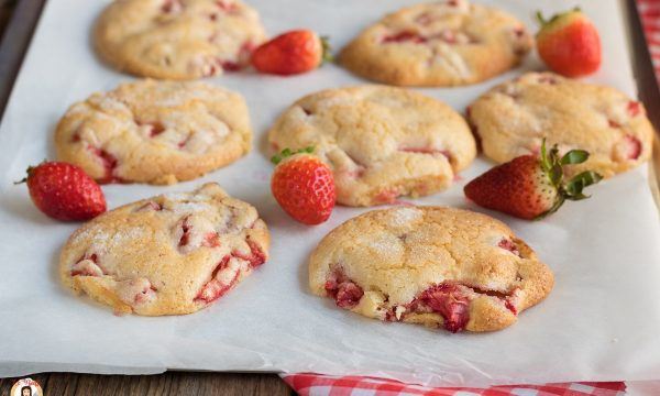Biscotti alle fragole – Morbidi senza lievito, burro e latte