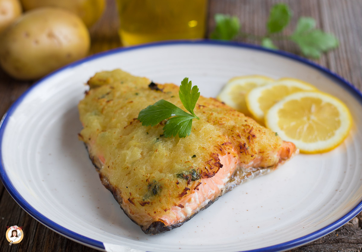 Ricetta Salmone Con Patate Al Forno.Salmone In Crosta Di Patate Grattugiate Secondo Piatto Facile