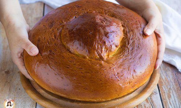 Brioche col tuppo gigante – Torta Siciliana