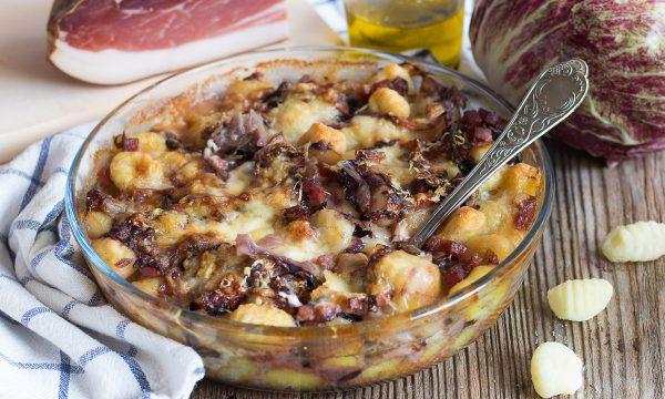 Gnocchi speck e radicchio al forno – Cremosi con fontina
