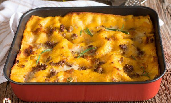 Lasagne zucca salsiccia e taleggio – Pasta al forno con besciamella