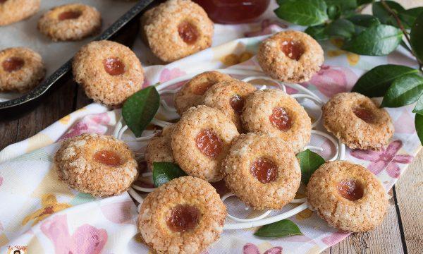 Biscotti farciti di marmellata – Croccanti