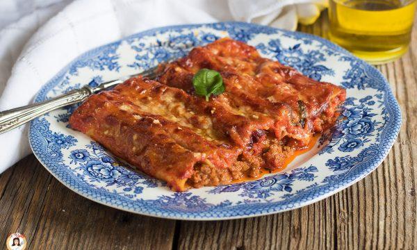 CANNELLONI AL RAGÙ – Ripieni di carne senza besciamella