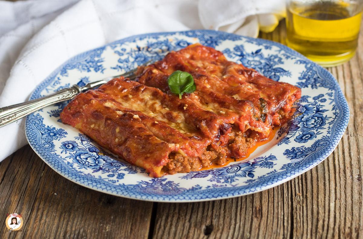 Cannelloni Al Ragù Pasta Al Forno Ripiena Di Carne Senza Besciamella