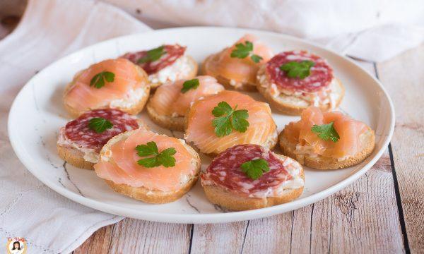 TARTINE CON PANCARRÈ – Tartine semplici con pancarrè tostato
