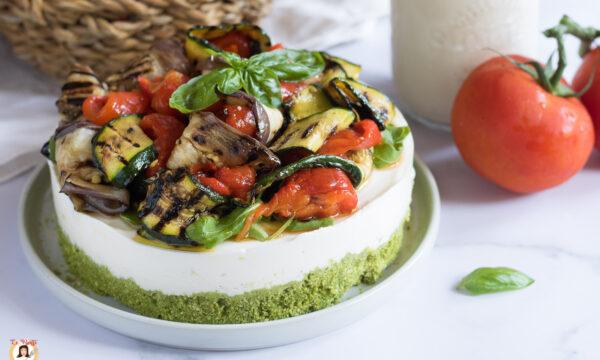 CHEESECAKE  ALL'ORTOLANA – Ricetta salata con zucchine, peperoni e melanzane