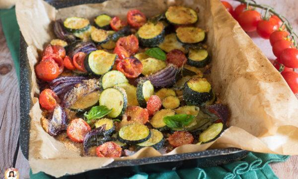 ZUCCHINE ALLA MEDITERRANEA – Gratinate con pomodorini e cipolle