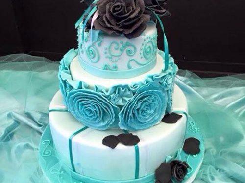 Torta tiffany con rose nere per la Cresima del mio amore