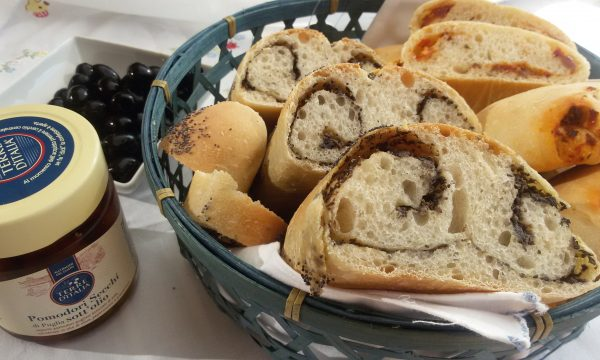 Pane per aperitivo condito