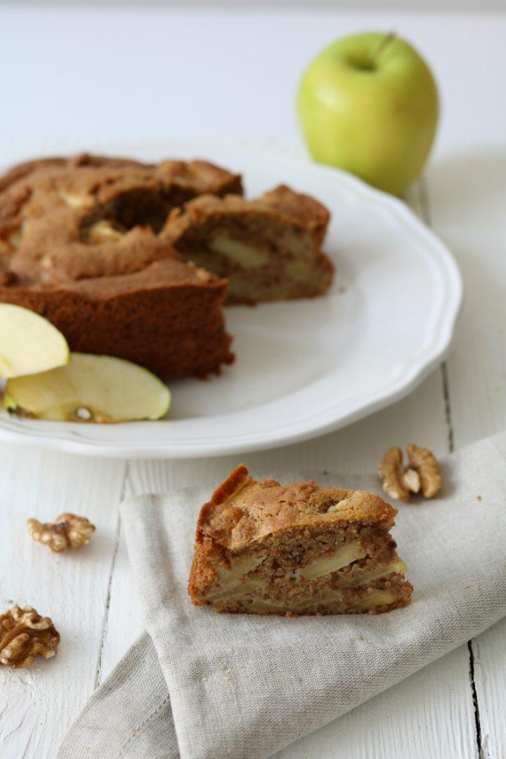 Torta di mele con le noci