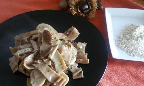 Pappardelle con farina di castagne ai funghi