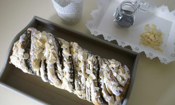Pan brioche con semi di papavero e crema vaniglia
