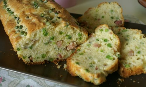 Plumcake salato con piselli e pancetta