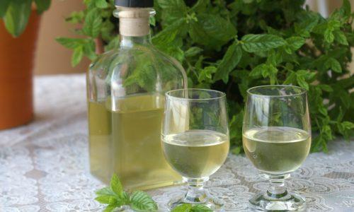 Liquore alla menta fatto in casa