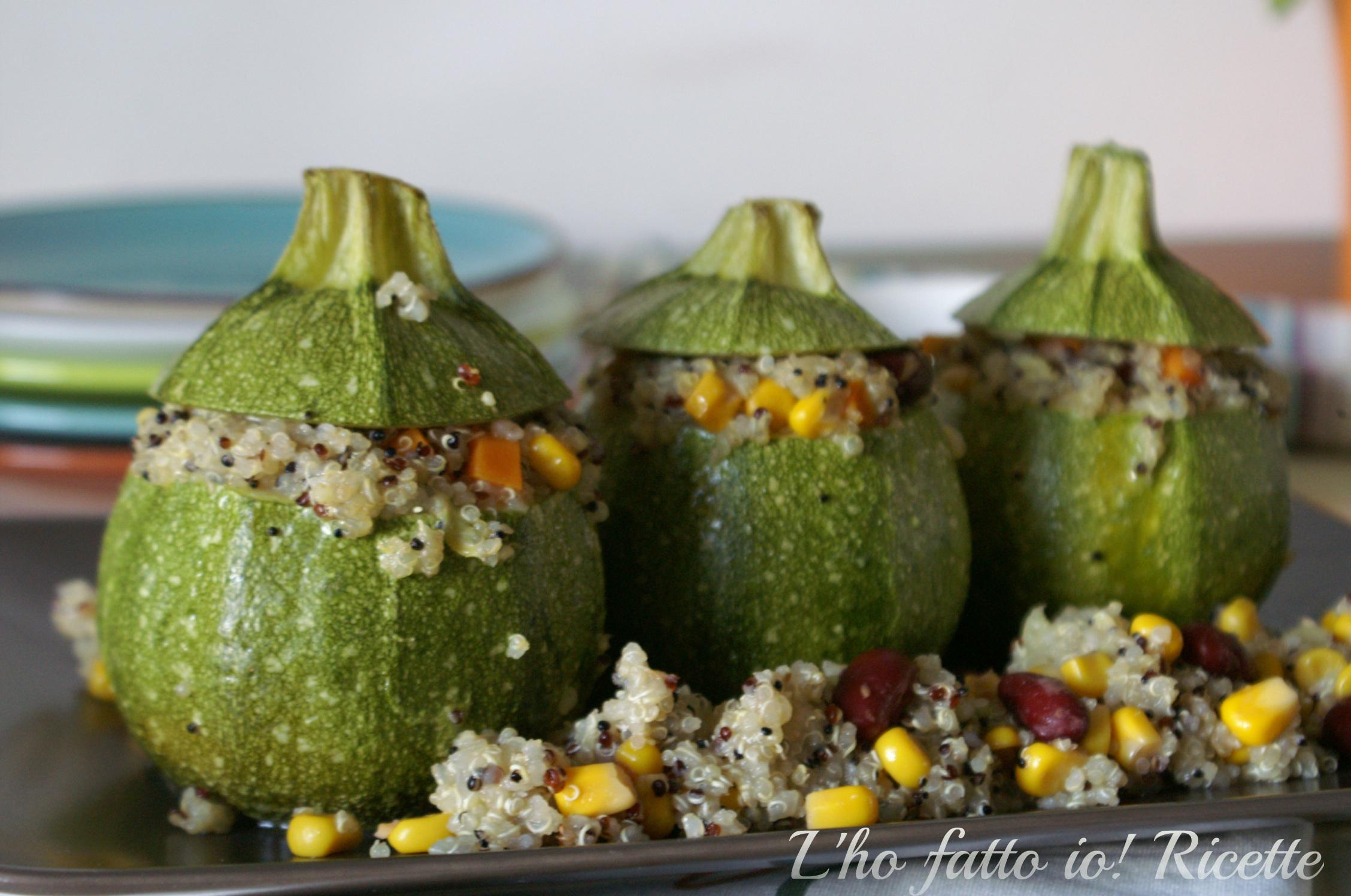 Zucchine tonde ripiene di quinoa ricetta vegetariana for Cucinare zucchine tonde