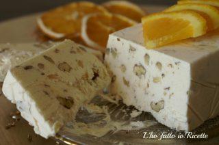 Semifreddo all'arancia e cannella con le noci