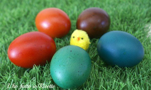 Come colorare le uova con i coloranti alimentari