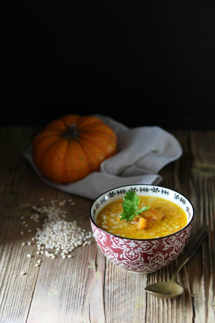 zuppa di orzo e zucca