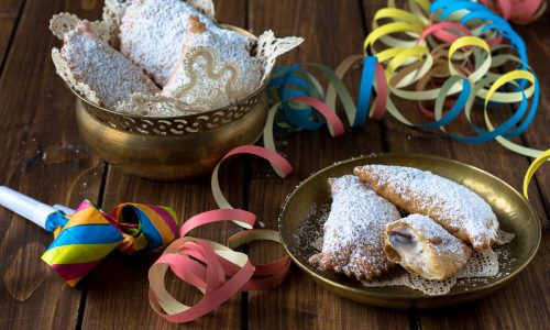 Cassatelle Siciliane o Ravioli fritti di Ricotta