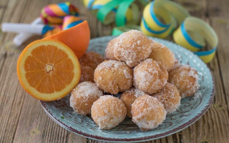 Castagnole all'arancia