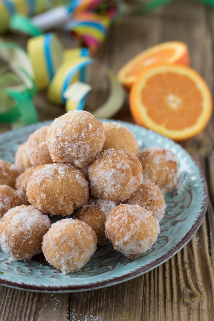 castagnole con succo arancia