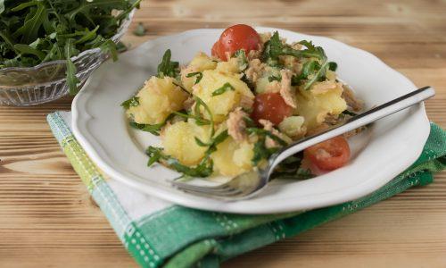 Insalata di patate tonno e rucola