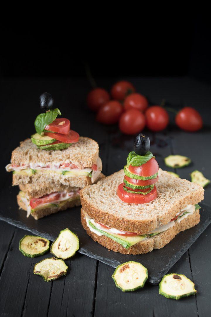 sandwich tacchino e zucchine grigliate