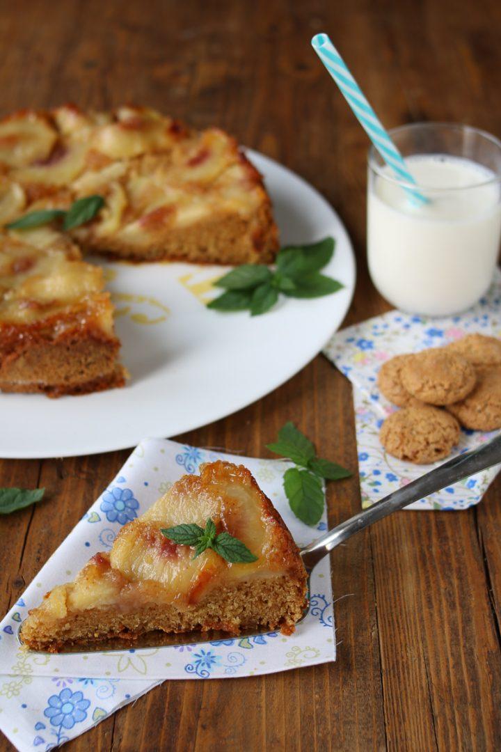 torta rovesciata pesche e amaretti