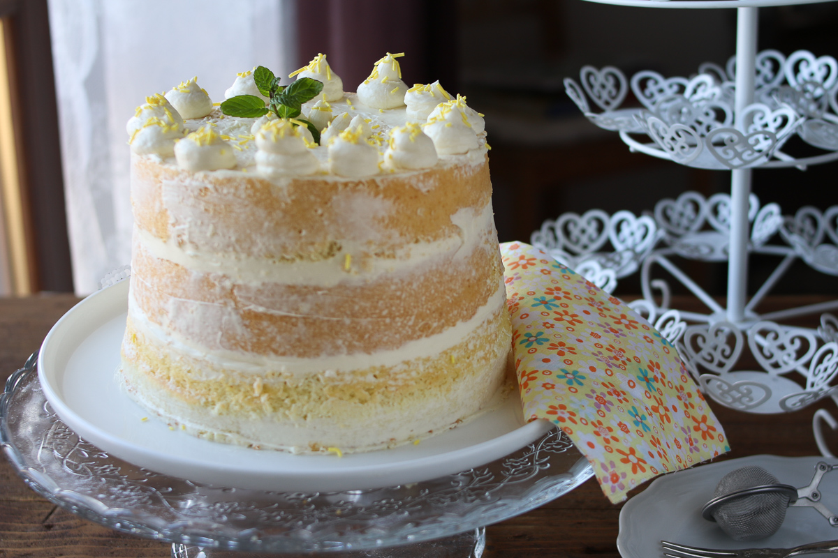 Nude Cake al cioccolato bianco con base di chiffon cake