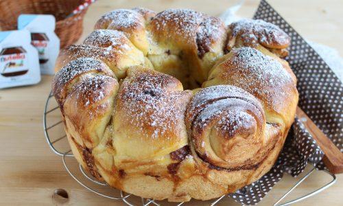 Torta di cornetti di pan brioche